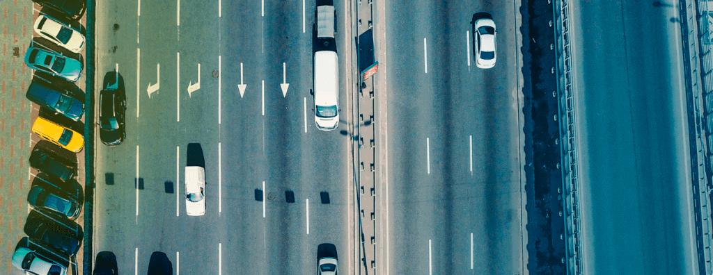Via pública urbana aberta à circulação